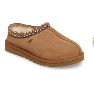 ISO tan UGG slippers in women's size 9 tag me!